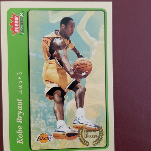 Kobe Bryant Lakers fleer baseball card